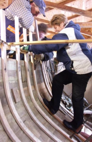 How the ribs of a hull get in place